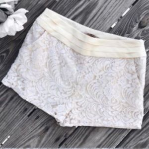 Forever 21 cream lace shorts